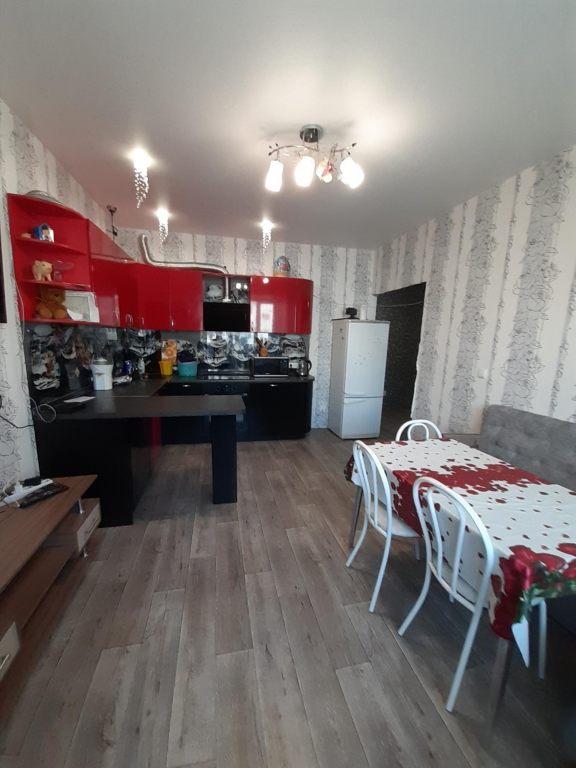 2-комн. квартиры г. Сургут, Мелик-Карамова 60 (р-н Восточный) фото 1